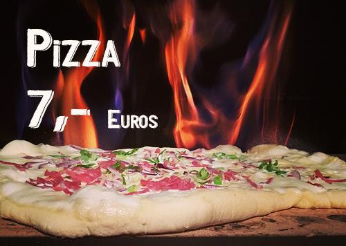 Pizza delante fuego